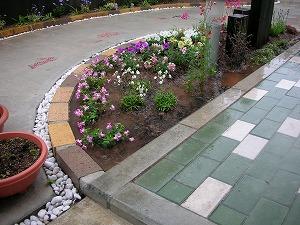 CUTEなレンガ花壇